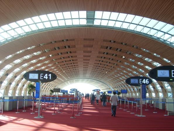 Paris_Charles_De_Gaulle_Airport_Terminal_E_a