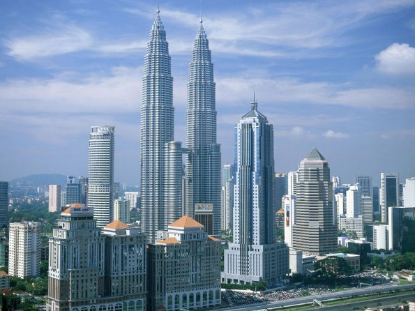 kuala_lumpur_petronas_twin_towers_malaysia_wallpaper-normal